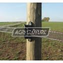 Isolateur EQUIBLOC et EQUIBLOC Plus spécial pour ruban, il assure une parfait tention de la clôture.